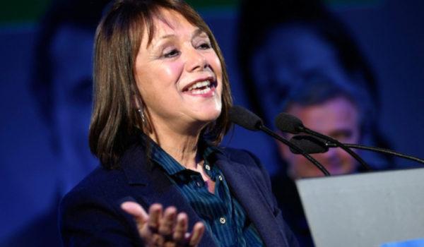 Comisión pro Referéndum rechazó comentarios políticos de Ana Lía Piñeyrúa