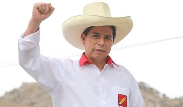 Crisis en Perú: Partido del presidente se fue del gobierno